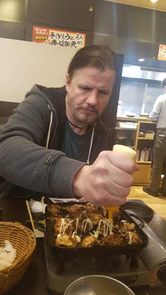 Takoyaki und Okonomiyaki nach Osaka Art.