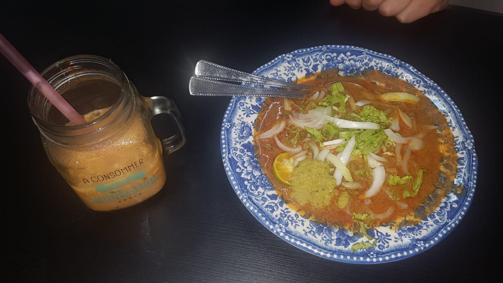 Laksa und Mee Mee Curry