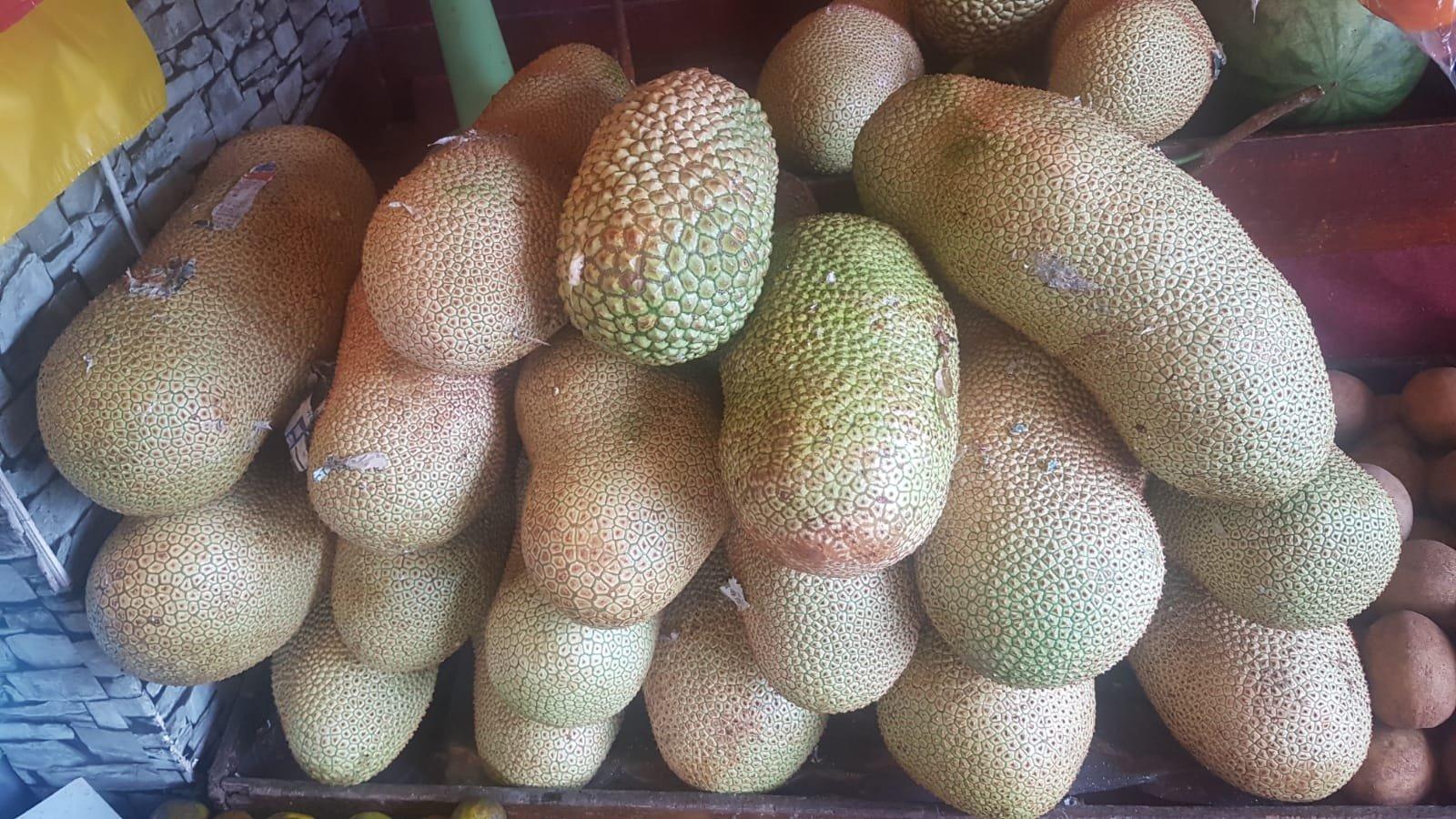 Früchte am Straßenrand