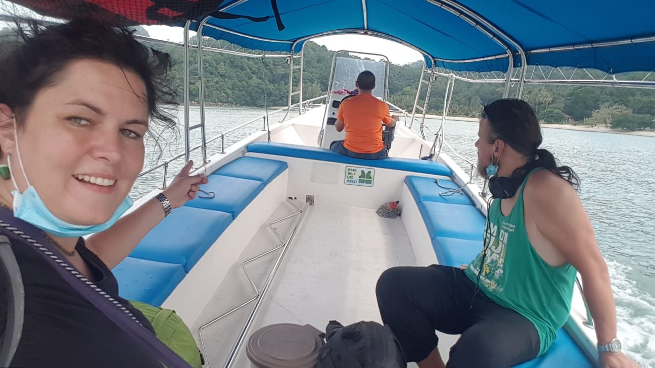 Überfahrt nach Pulau Tuba